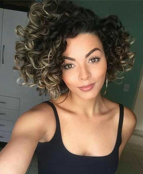 Big-Curls Very Popular Curly Short Hairstyles Every Lady Need to See