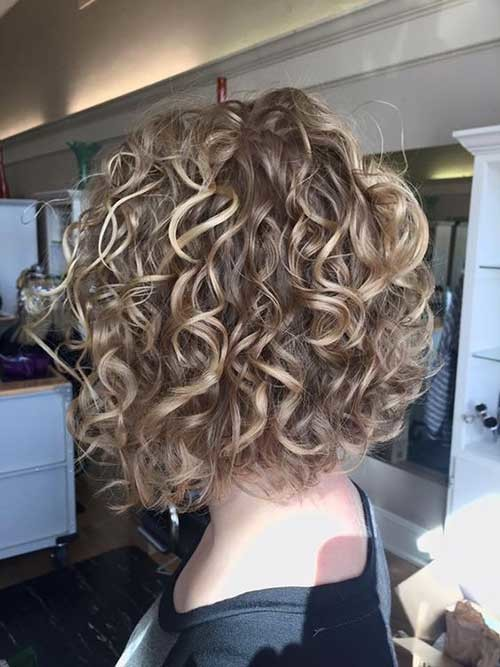 Blonde-Curly-Short-Hair Curly Bob Hairstyles for Chic Women