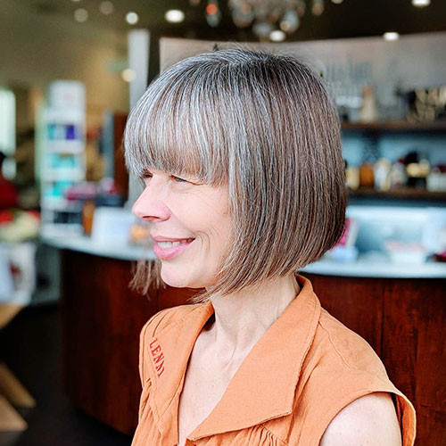 Blunt-Straight-Bob Populer Blunt Bob With Bangs 2019