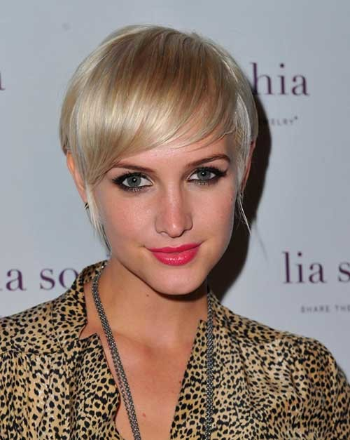 Chic-Hairstyle-for-Pixie-Cut-with-Long-Bangs Long Pixie Haircuts