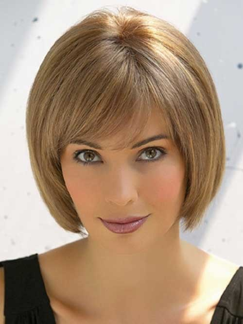 Chin-Length-Hair-with-Cute-Side-Bangs Nice Short Straight Hairstyles with Bangs