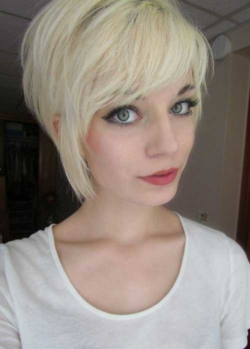 Cute-Blonde-Pixie-Hair-with-Long-Side-Bangs Long Pixie Haircuts