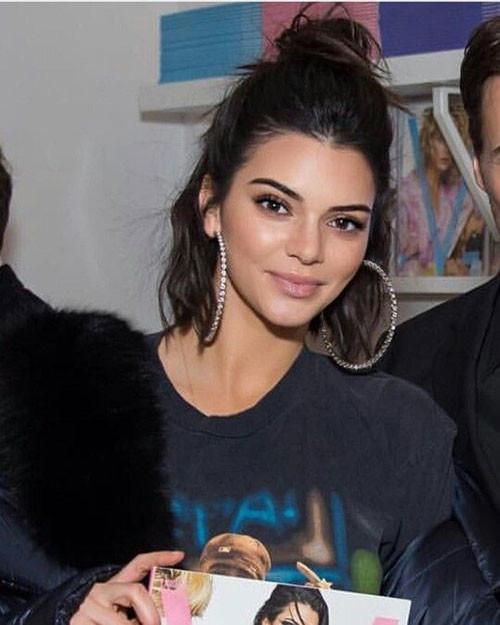Kendall-Jenner-Cute-Short-Half-Bun-Style Cute Short Haircuts and Styles Women