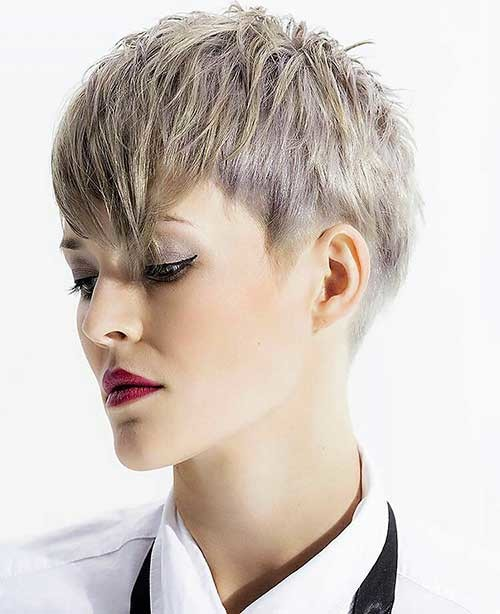 Layered-Cut Chic Short Hair Ideas with Bangs
