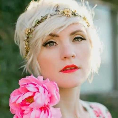 Long-Pixie-Hairstyle-with-Flowered-Headband Long Pixie Haircuts
