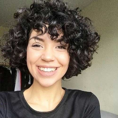 Natural-Bob-Hairstyle Curly Bob Hairstyles for Chic Women
