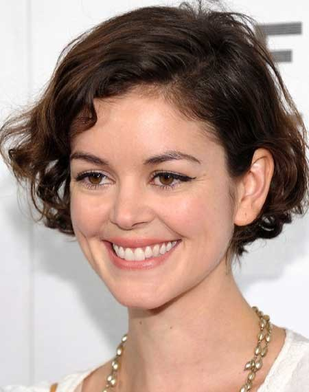 New-Short-Celebrity-Haircuts-Nora-Zehetner New Short Celebrity Haircuts 2019