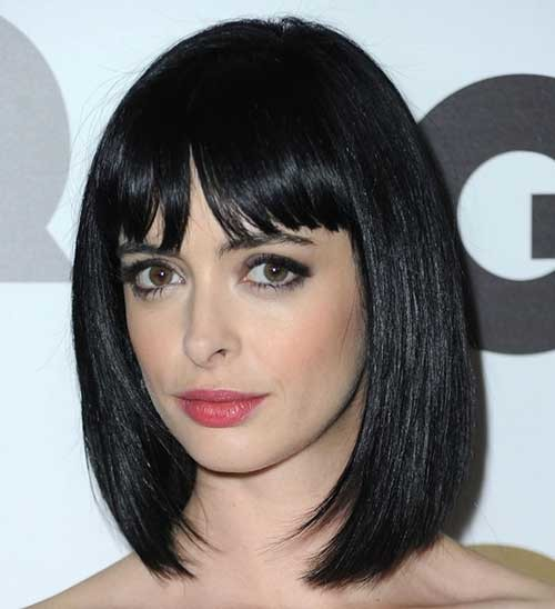Nice-Straight-Dark-Bob-with-Lovely-Blunt-Bangs Nice Short Straight Hairstyles with Bangs