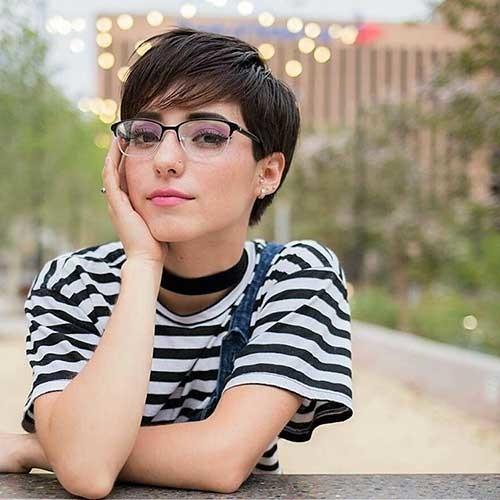 Pixie-Bangs-1 Chic Short Hair Ideas with Bangs
