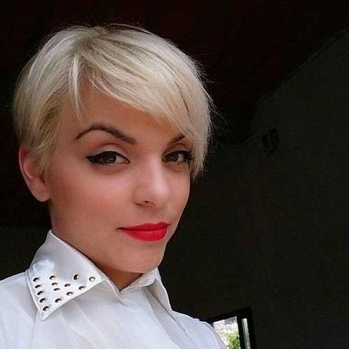 Platinum-Pixie-Haircut Striking Short Hair Ideas for Blondies