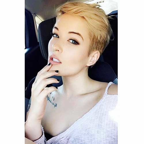 Short-Blonde-Hair-2019 Striking Short Hair Ideas for Blondies