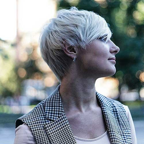 Short-Blonde-Pixie Chic Short Hair Ideas with Bangs