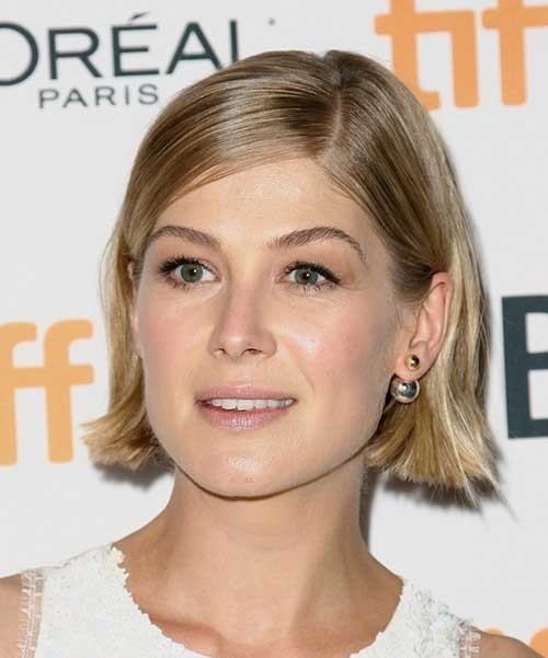Short-Blonde-Straight-Bob Womens Short Hairstyles for Thin Hair