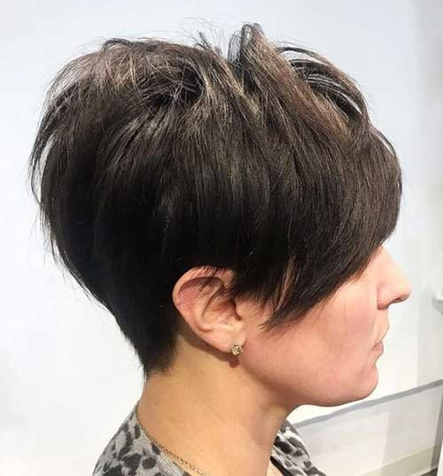 Short-Layered-Pixie-Hairstyle Flattering Layered Short Haircuts for Thick Hair