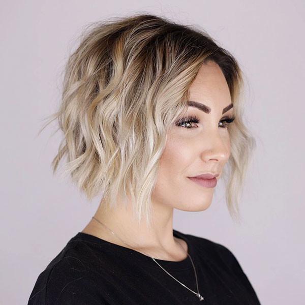Short-Layered-Wavy-Hairstyle New Short Wavy Hair Ideas in 2019