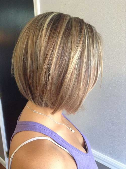 Short-Stacked-Straight-Haircut-for-Women Short stacked haircut