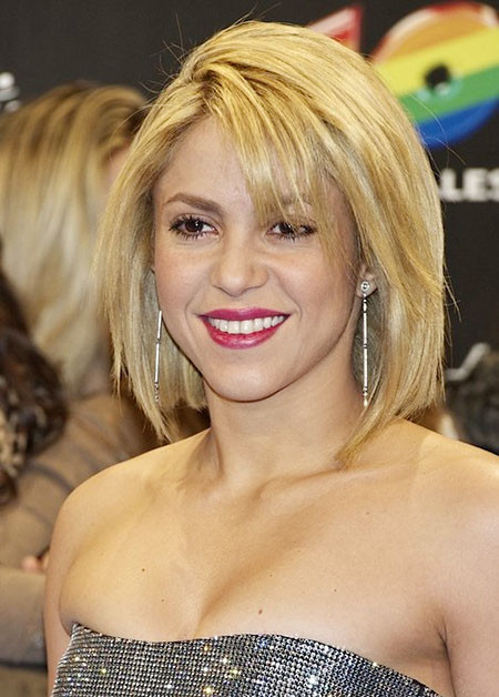 Short-Straight-Line-Bob Best Celebrity Short Hairstyles