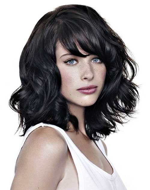 Short-Wavy-Dark-Bob-Haircut-for-Round-Faces-Idea Short Wavy Hairstyles for Round Faces