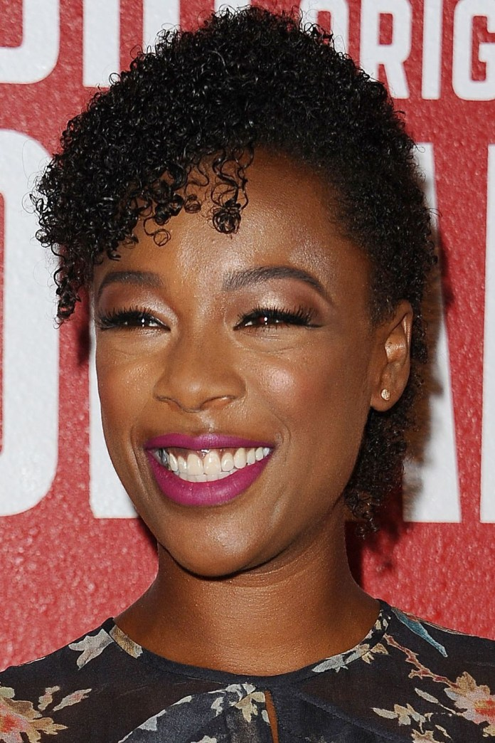 Short-and-Glossy-Curls Easy Natural Hairstyles for Black Women