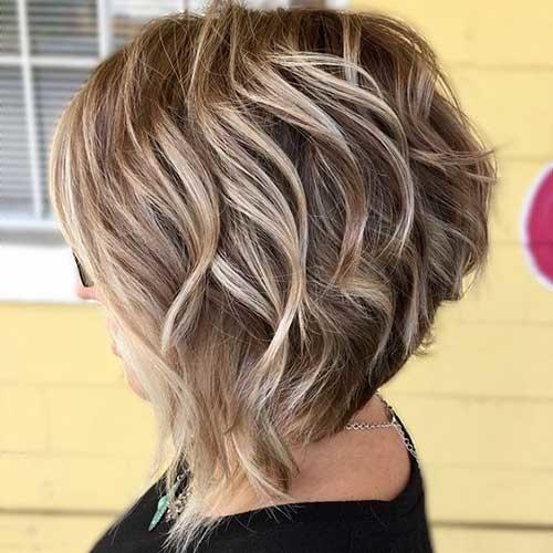 Short-to-Medium-Haircut Flattering Layered Short Haircuts for Thick Hair