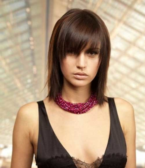 Short-to-Medium-Straight-Brown-Hair-with-Side-Bangs Nice Short Straight Hairstyles with Bangs