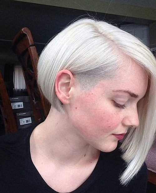 Side-Parted-Blonde-Bob-Hairstyle Various Short Blonde Bob Hairstyles