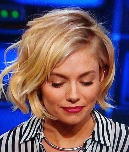 Sienna-Miller-Hair-Cut Eye-Catching Short Hairstyles in 2019 for Wavy Hair