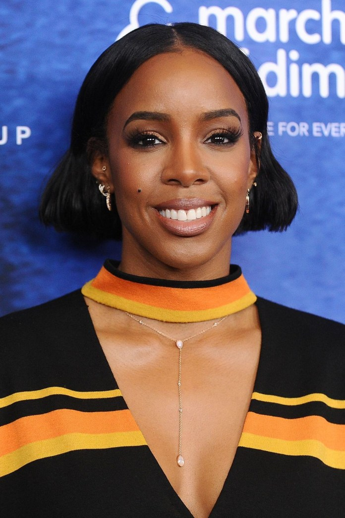Sleek-Middle-Parted-Bob Best Short Hairstyles for Black Women