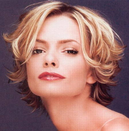 The-Fabulous-Wavy-Flip-Out-Bob-Cut Cuts for Short Curly Hair