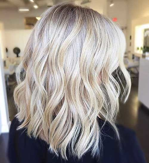 Wavy-Blonde-Bob Striking Short Hair Ideas for Blondies