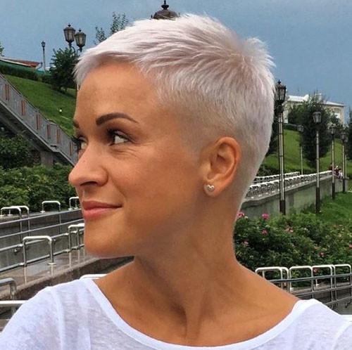 White-Blonde-Hair Short Pixie Haircuts for Pretty Look