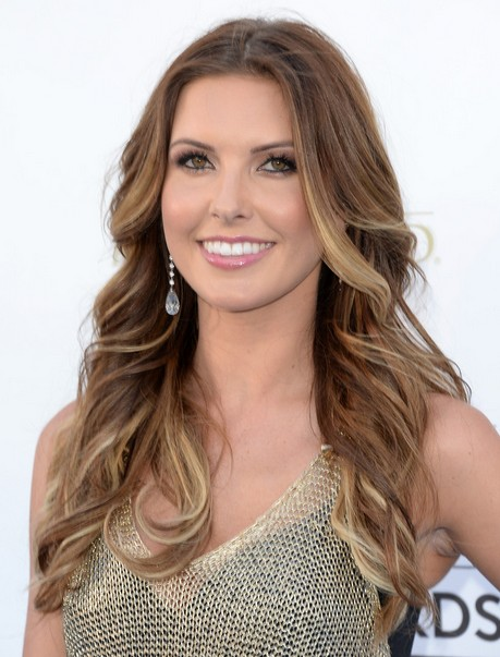2014-Audrina-Patridge-Hairstyles-Tousled-Two-tone-Hair Top 100 Celebrity Hairstyles 2019