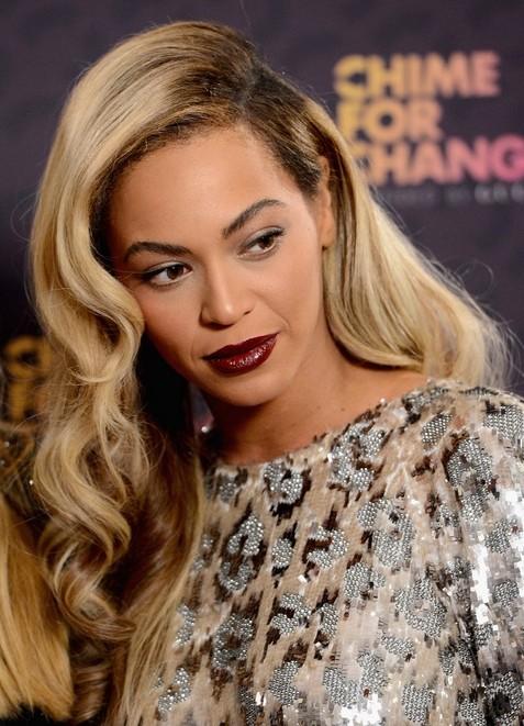2014-Beyonce-Knowles-Hairstyles-–-Blonde-Long-Wavy-Hair Top 100 Celebrity Hairstyles 2019