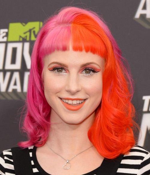 2014-Hayley-Williams-Hairstyles-–-EMO-Hairstyle-for-Girls Top 100 Celebrity Hairstyles 2019