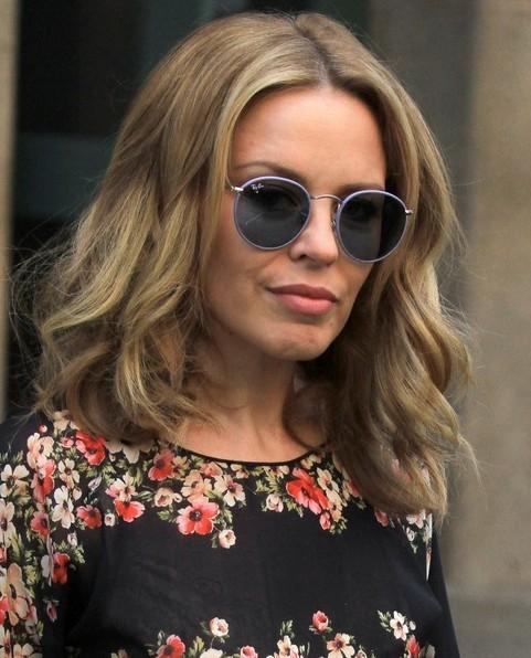 2014-Kylie-Minogue-Hairstyles-Casual-Medium-Hair-Cut Top 100 Celebrity Hairstyles 2019