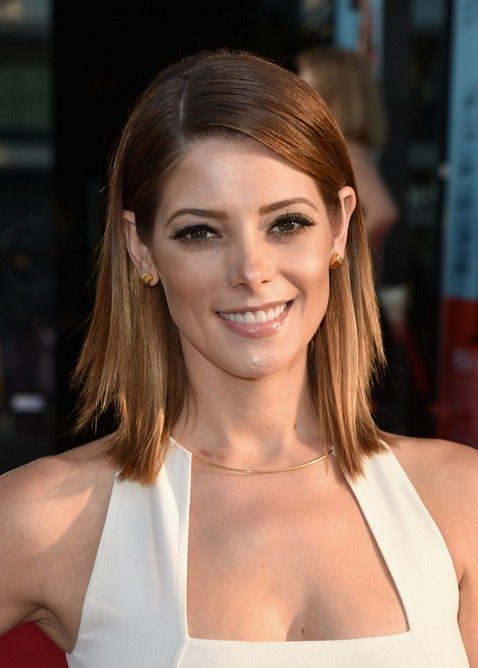Ashley-Greene-Layered-Lob-Hairstyle-for-Women Popular Short Hairstyles for Women 2019