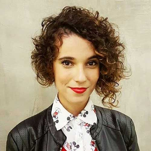 Asymmetrical-Bob-Hair Alluring Short Curly Hair Ideas for Summertime