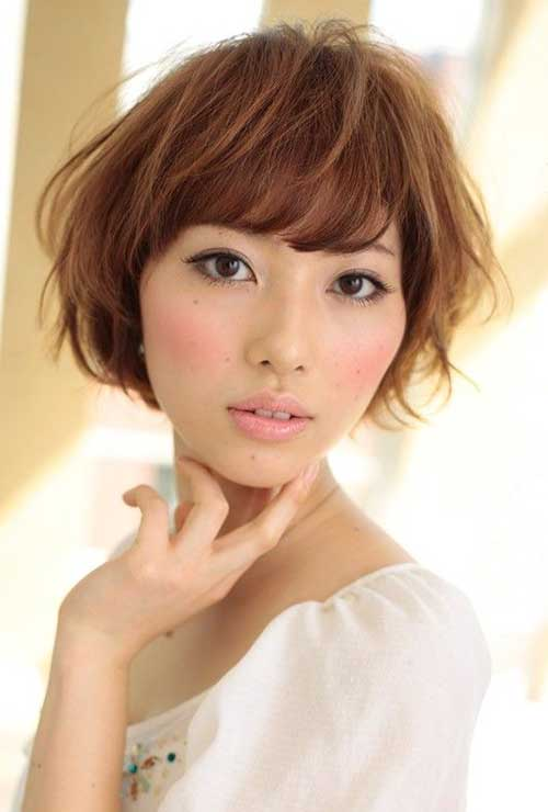 Japanese-Wavy-Hairstyle-with-Bangs Short Wavy Hairstyles With Bangs
