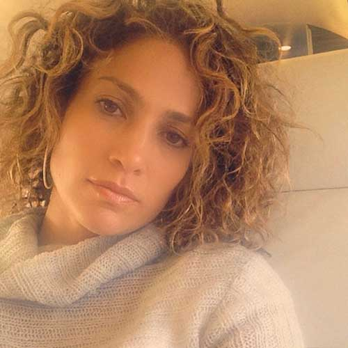 Jennifer-Lopez's-Natural-Short-Curly-Hair Short and Curly Hairstyles 2019