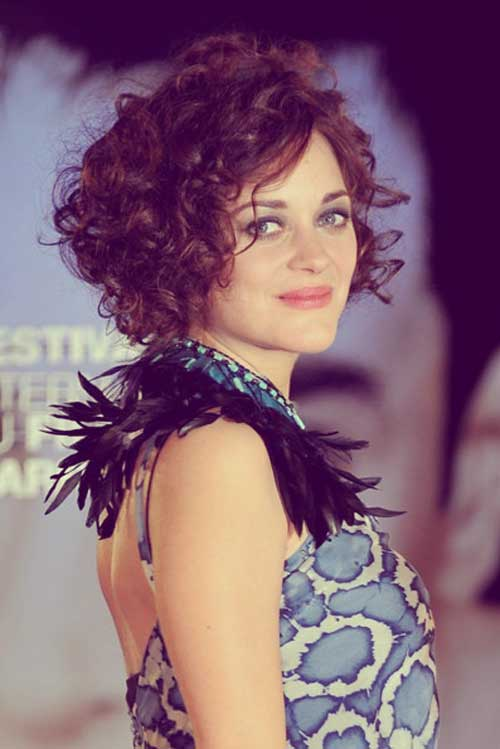 Marion-Cotillard-super-curly-hair Top Celebrity Short Haircuts