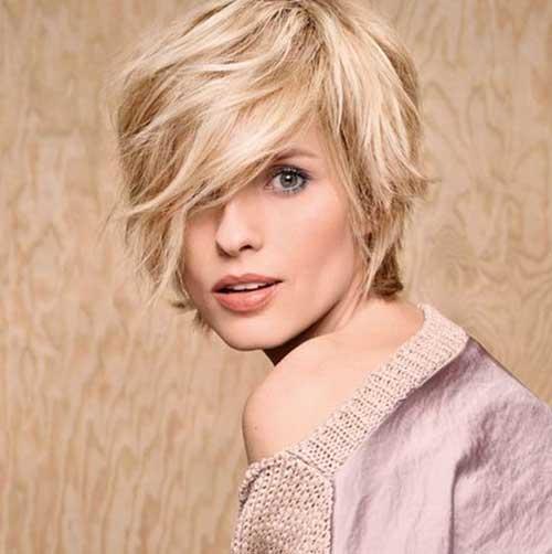 Pixie-Bob-Cut-2 Short Haircuts for Round Face Shape