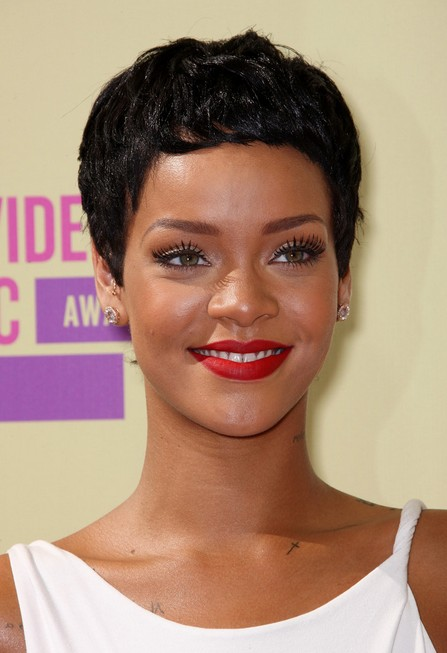 Rihanna-Short-Boy-Cut-for-Black-Women Popular Short Hairstyles for Women 2019