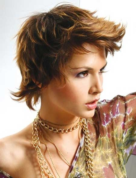Short-Light-Brown-Pointy-Hair Short Trendy Hairstyles for Women