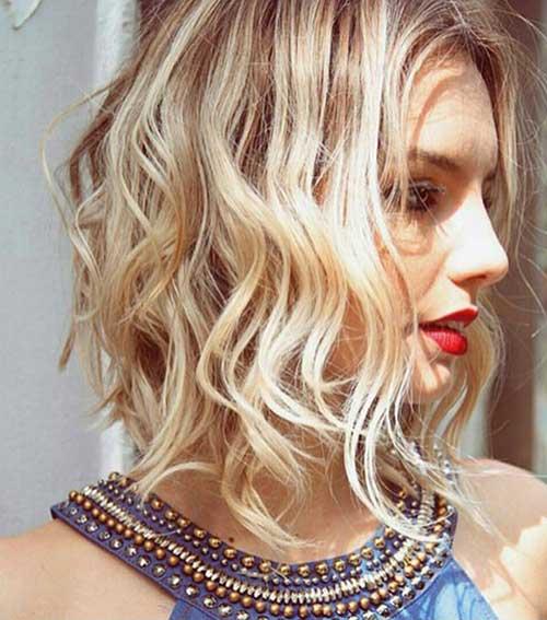 Short-Medium-Wavy-Haircut Best Hairstyles for Short Medium Hair