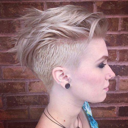 Short-Undercut-Hairstyle-for-Blond-Hair Awesome Undercut Hairstyles for Girls