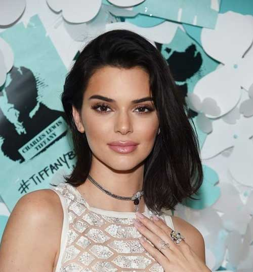 Side-Parted-Bob-Hairstyle Kendall Jenner Short Hair Pics