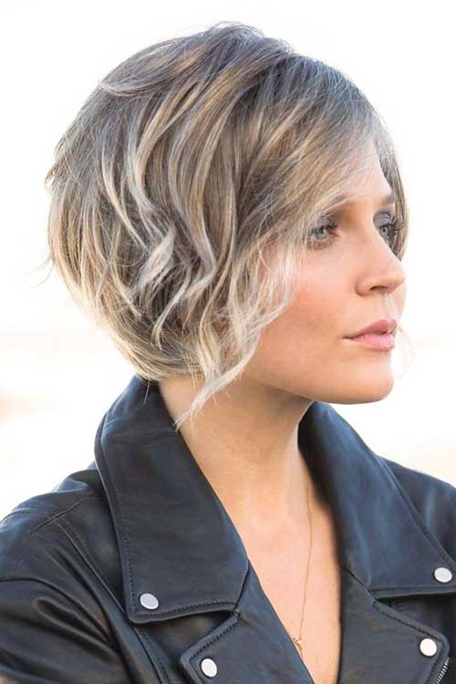 Side-Parted-Bob Wavy Short Hair Styles for Chic Ladies
