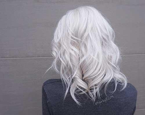 Snow-White-Hair Alluring Short Curly Hair Ideas for Summertime