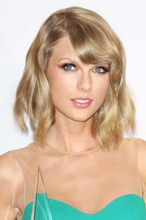 Taylor's-Short-Wavy-Hair-With-Bangs Short Wavy Hairstyles With Bangs