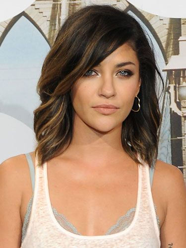 Trendy-Medium-Wavy-Haircut Fantastic Easy Medium Haircuts 2019 – Shoulder Length Hairstyles